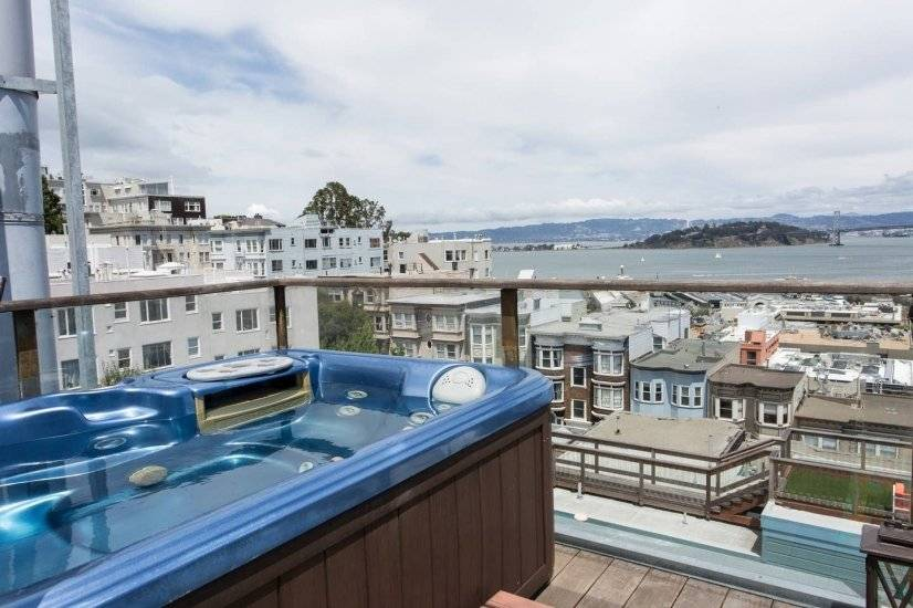 Enjoy hot tub views of Alcatraz, the Bay and Downtown