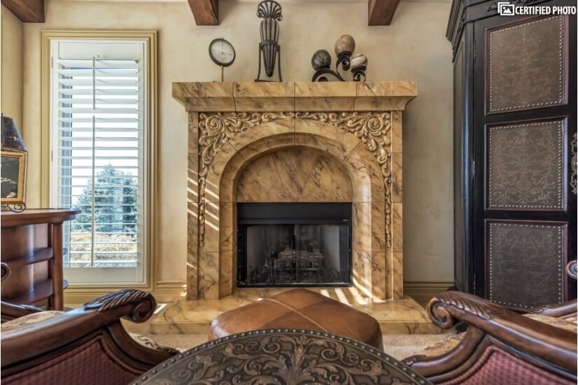 Master fireplace -seating to enjoy fireplace/city views/TV