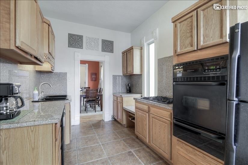image 8 furnished 4 bedroom House for rent in Washington Park, Denver South