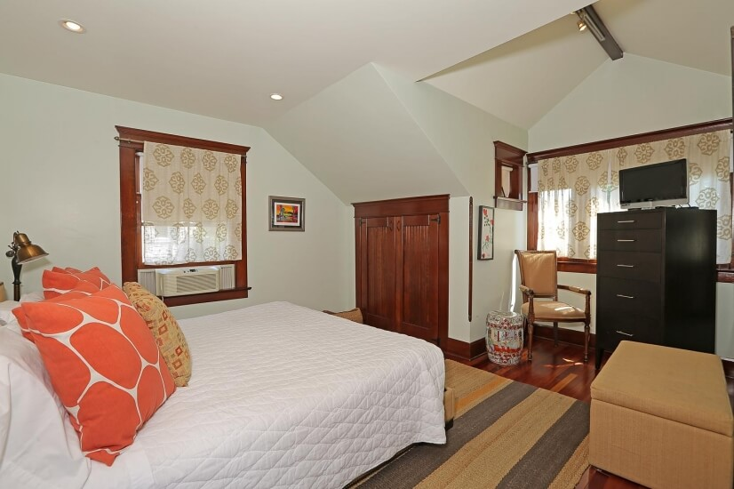 image 9 furnished Studio bedroom House for rent in Santa Monica, West Los Angeles