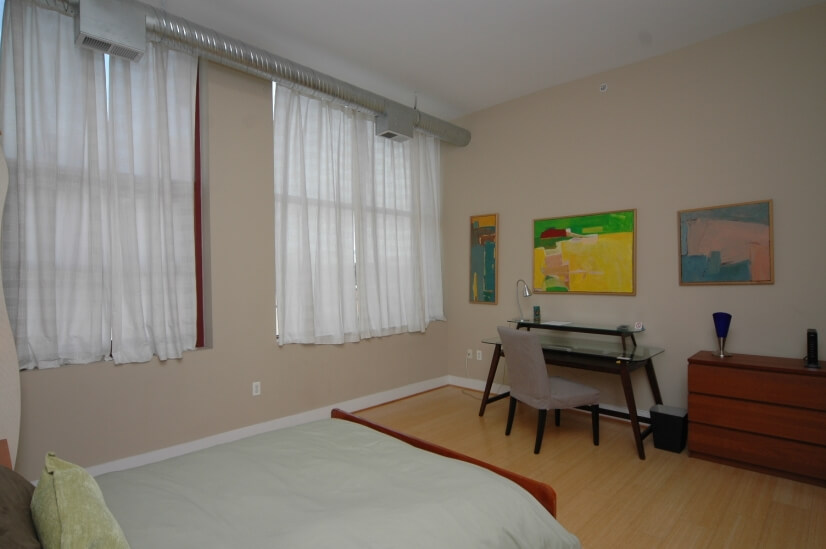 Office area at 2nd bedroom - Great natural li