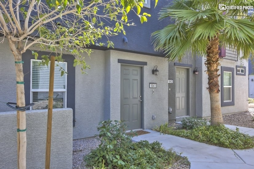 image 3 furnished 3 bedroom Townhouse for rent in Spring Valley, Las Vegas Area