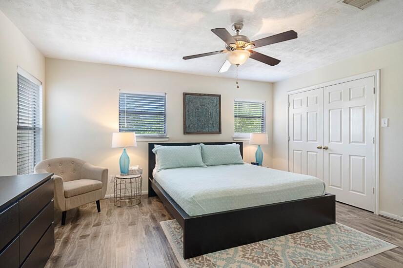 Master Bedroom & Large Closet
