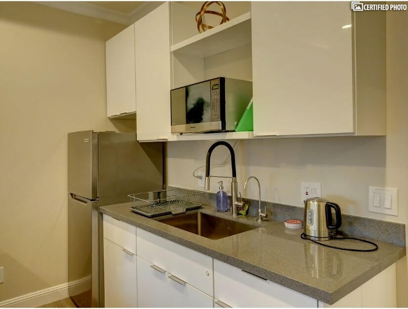 Studio B - Fully functional kitchenette with wet bar.