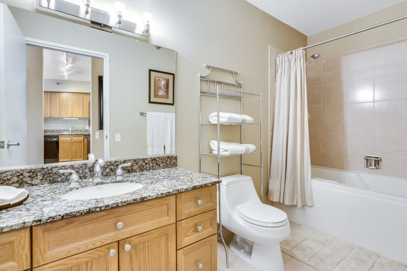 Bathroom with Granite vanity and towels included