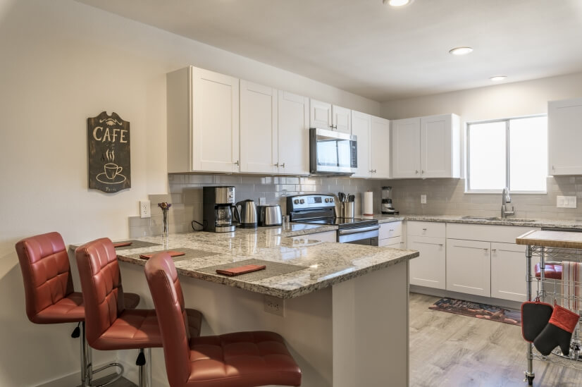 Counter dining and kitchen