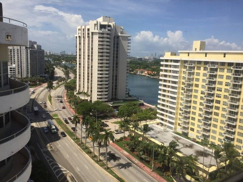 image 8 furnished 2 bedroom Townhouse for rent in Miami Beach, Miami Area