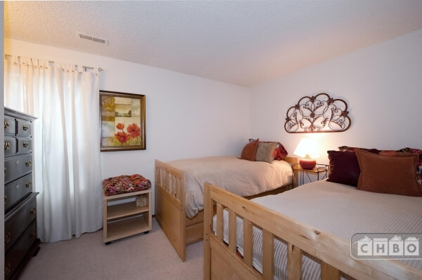 image 6 furnished 2 bedroom Townhouse for rent in Bellevue, Seattle Area