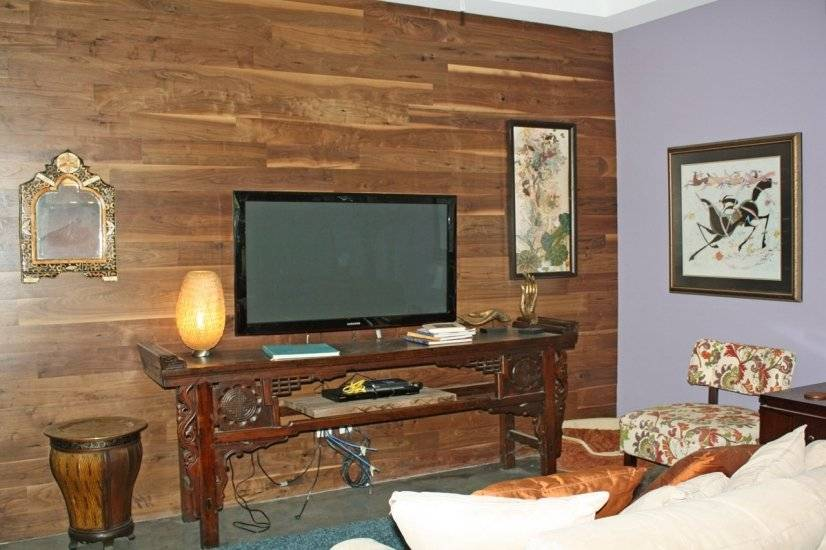 Walnut accent wall, 59 inch Samsung TV, full cable package.
