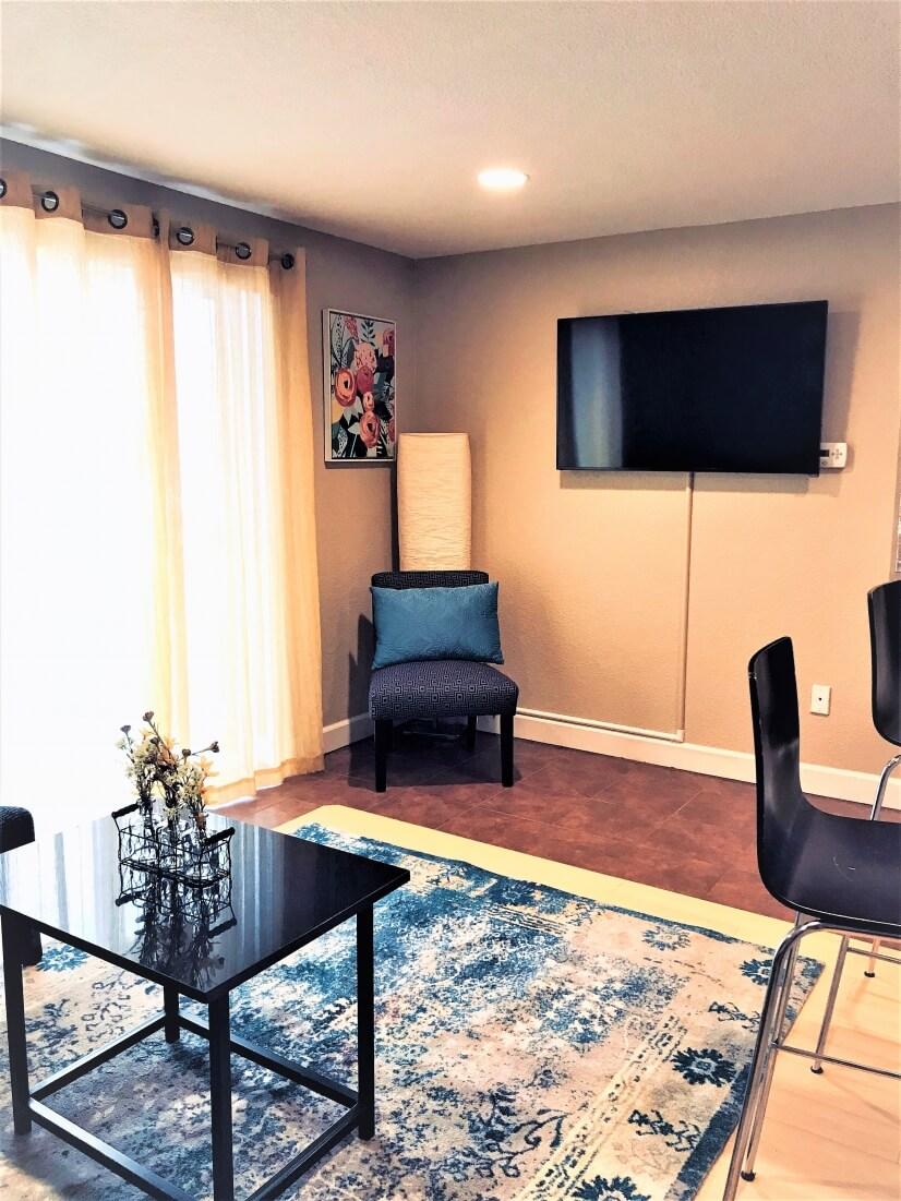 image 10 furnished 2 bedroom Townhouse for rent in Belcaro, Denver East