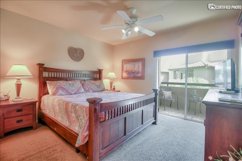 Bright & Roomy Bedroom w/Access to Balcony