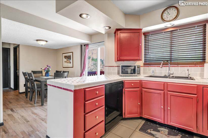 All utensils, plates, pots/pans, etc. included in rental