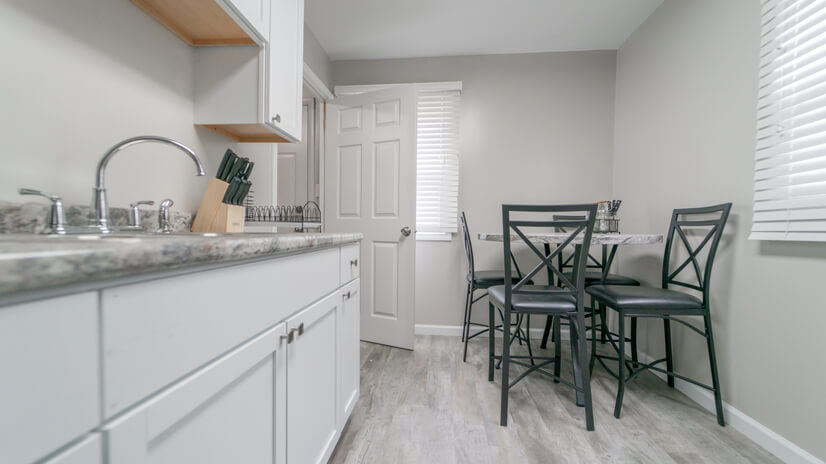 Kitchen | Eat-in Dining