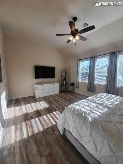 *Note New Flooring in Bedroom