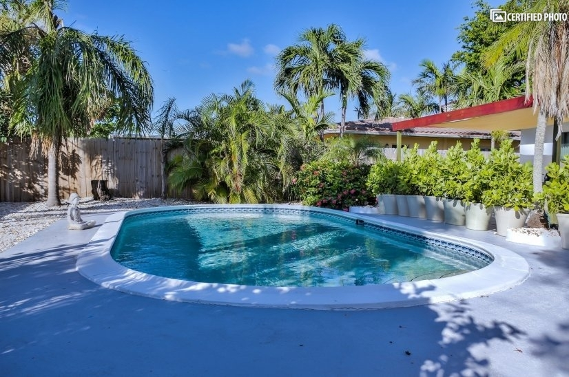 image 4 furnished 2 bedroom Townhouse for rent in Fort Lauderdale, Ft Lauderdale Area