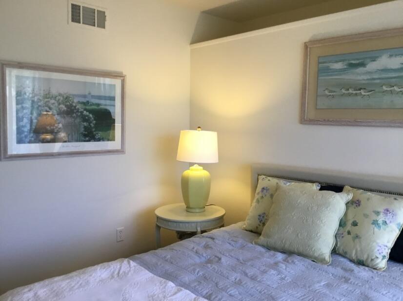 Front bedroom-2