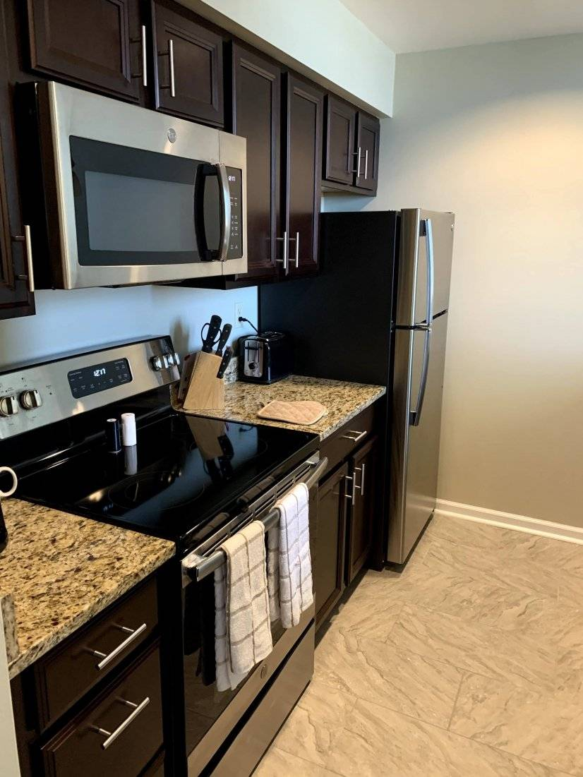 Full size kitchen with updated appliances