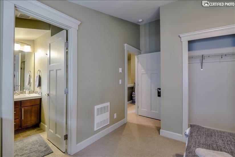 2nd upstairs bedroom with en-suite bathroom.