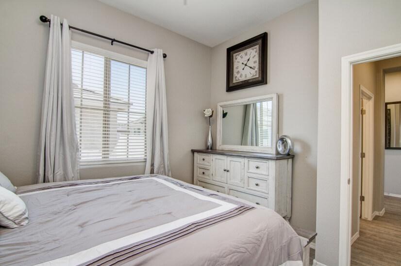 King bedroom view 3