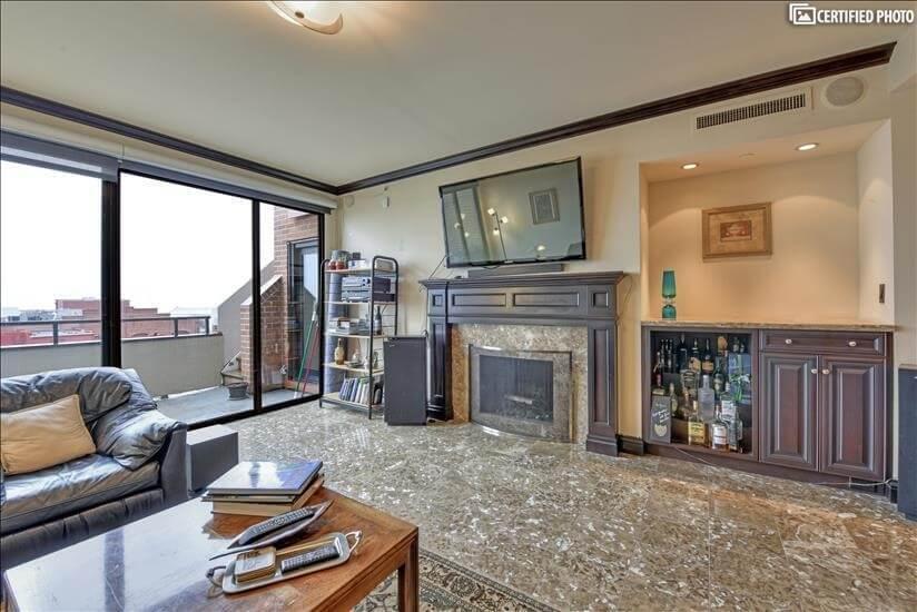 Livingroom marble floors