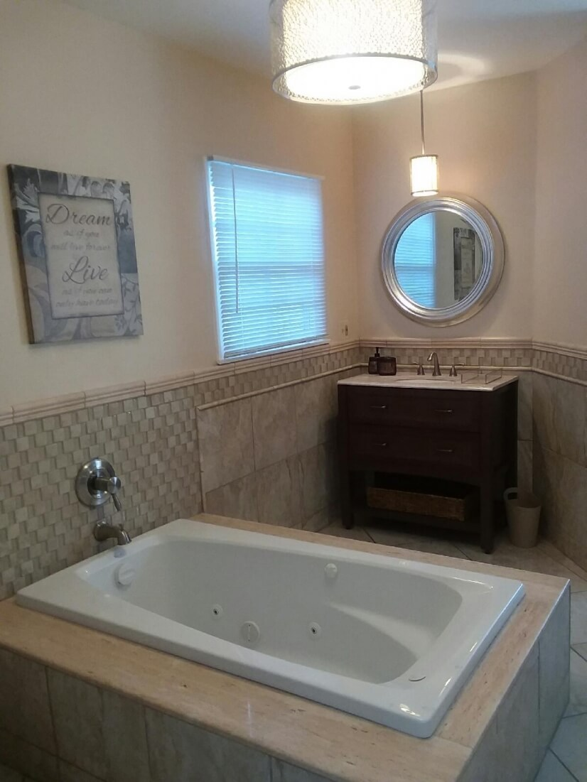 Master bath En Suite with jetted tub and walk-in closet.