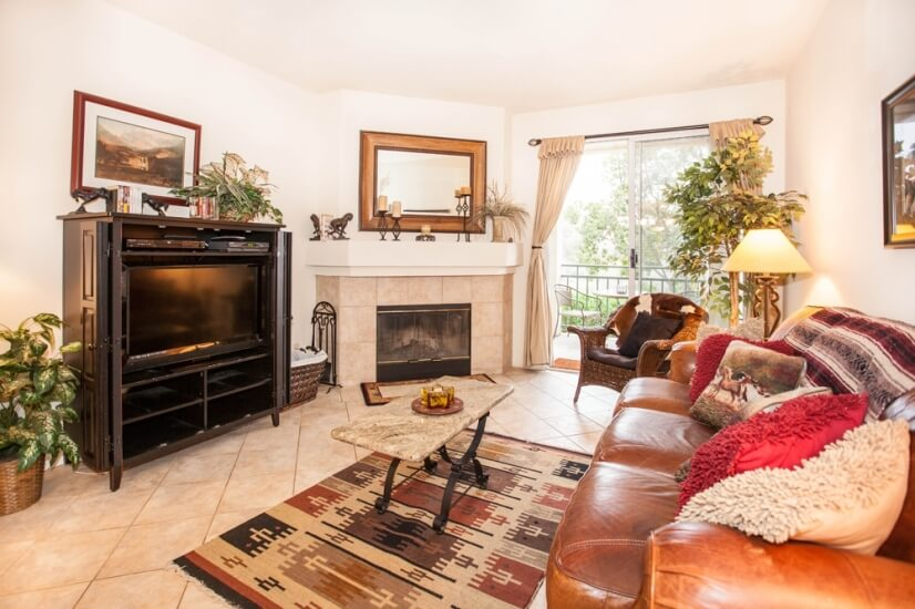 Luxury Furnished 2br/2ba Executive Condo