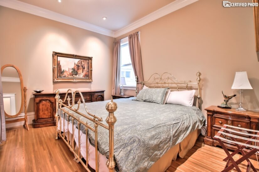 Comfortable Bedroom w/ King Bed
