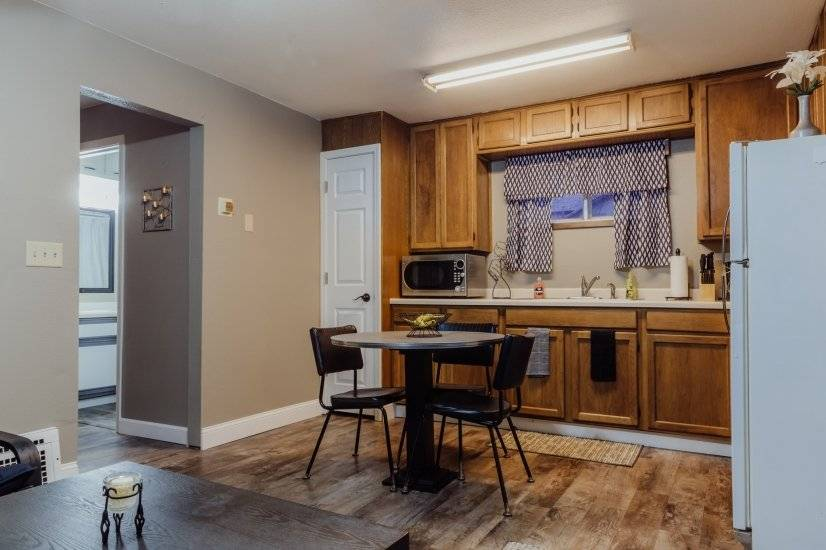 image 2 furnished 1 bedroom House for rent in Billings County, The West