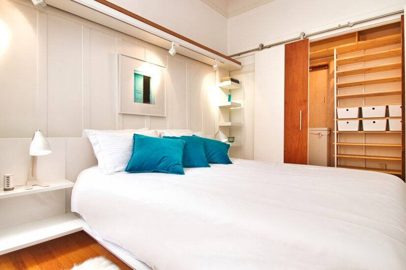 Luxe bedroom w/comforter, all-cotton sheets & walk-in closet