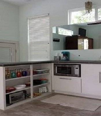 Kitchenette, built in microwave, toaster overn, cooktop
