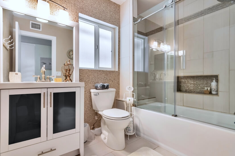 Full Master Bath Room