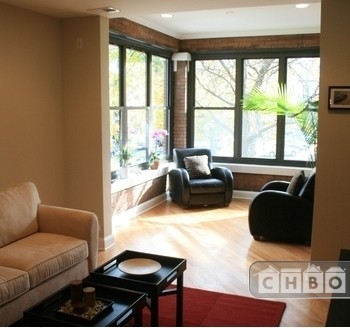 image 8 furnished 3 bedroom Apartment for rent in Logan Square, North Side