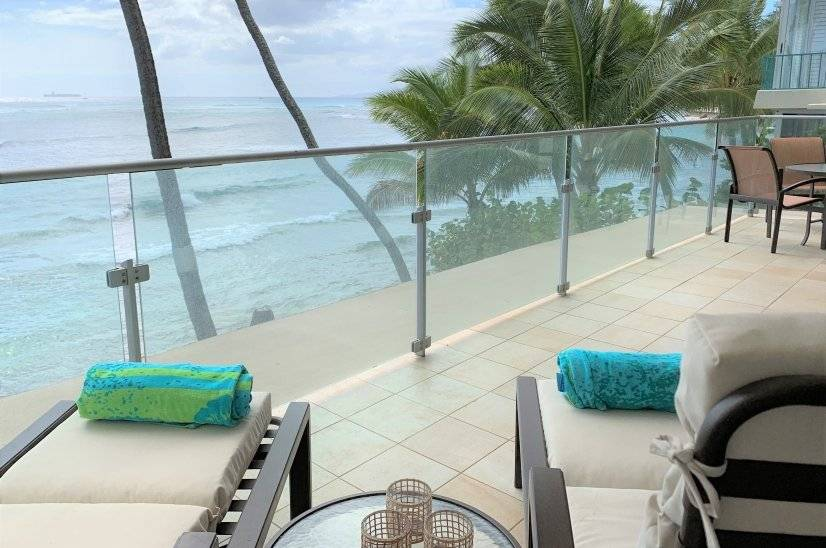 Oceanfront Condo at the foot of Diamond Head