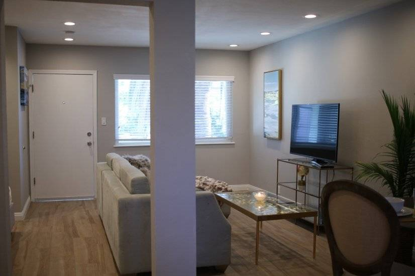 image 5 furnished Studio bedroom Townhouse for rent in Long Beach, South Bay