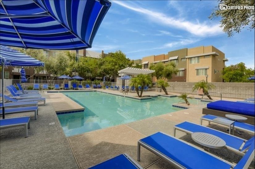 Beautiful full Pool and Hot Tub