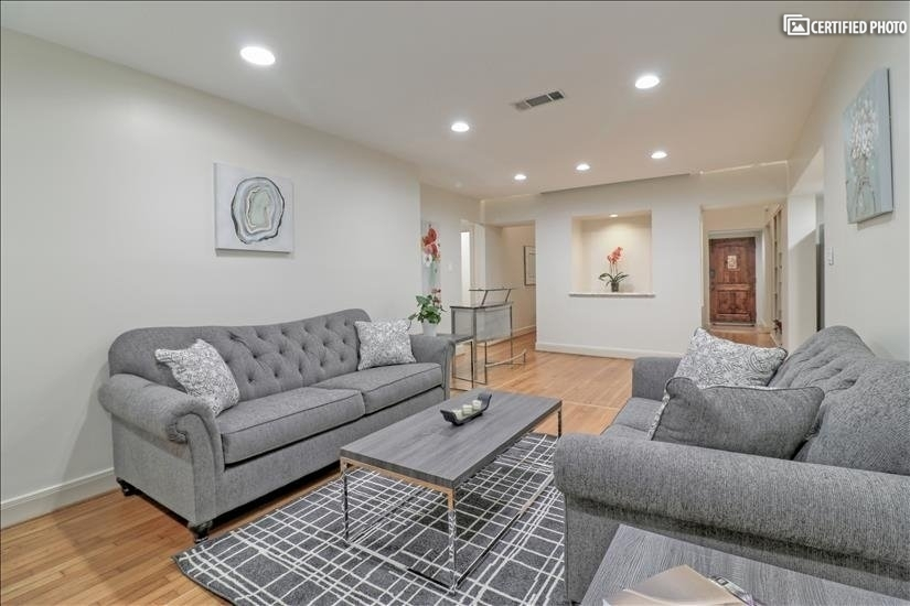Living Room - Bright and inviting.