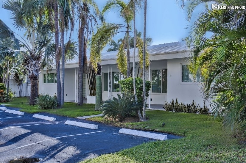 image 19 furnished 2 bedroom Townhouse for rent in Fort Lauderdale, Ft Lauderdale Area