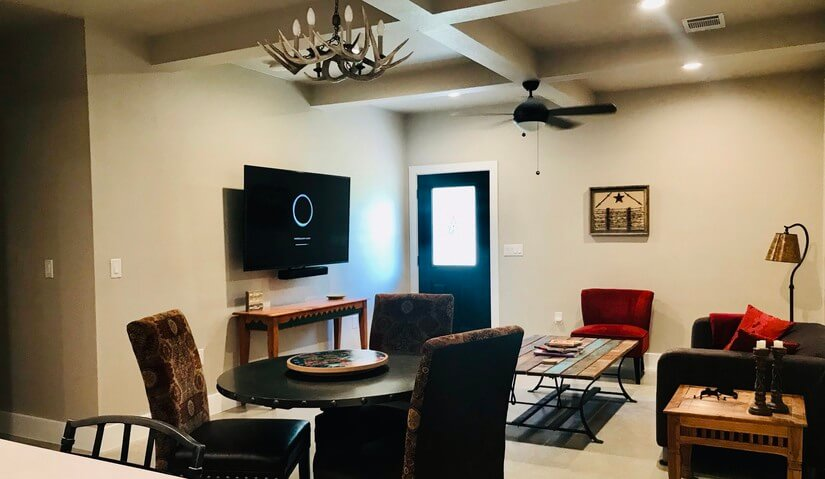 Living, Dining, Large TV