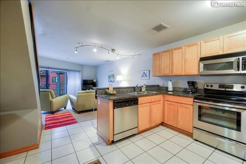 image 8 furnished 2 bedroom Townhouse for rent in Portland Downtown, Portland Area