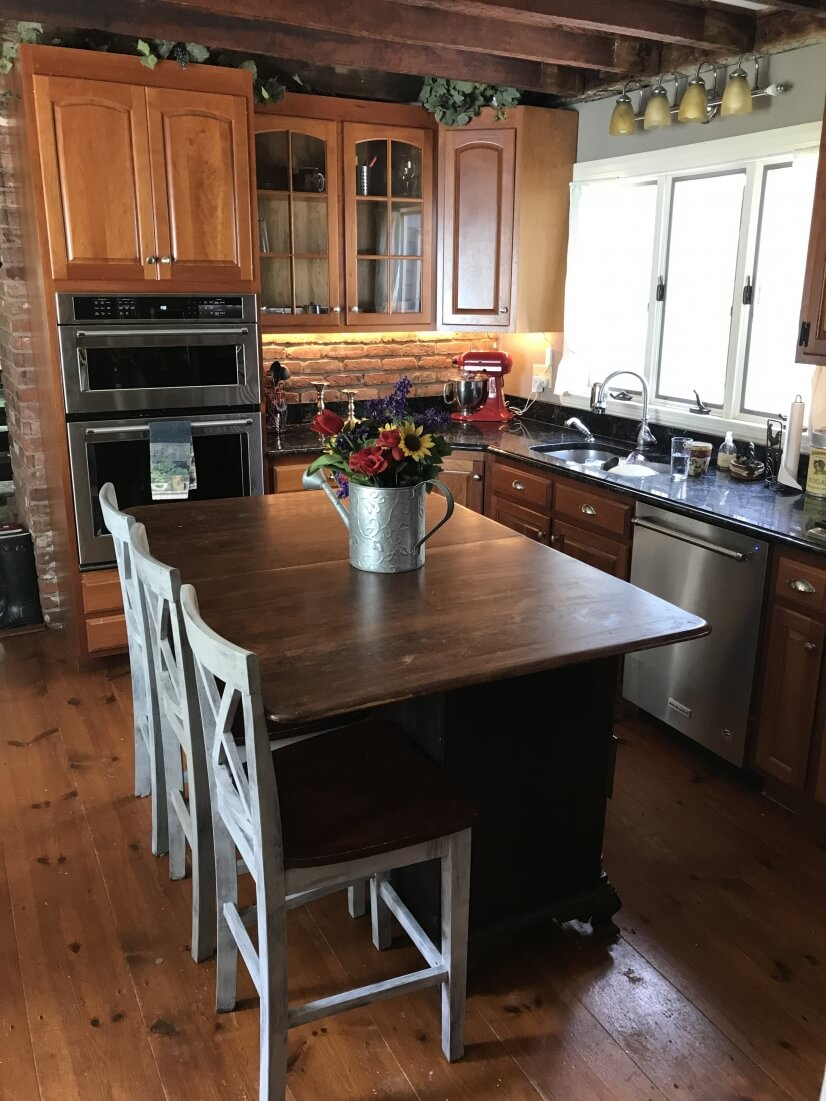 image 5 furnished 3 bedroom House for rent in Medway, Boston Outskirts