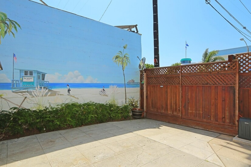 image 18 furnished Studio bedroom House for rent in Santa Monica, West Los Angeles