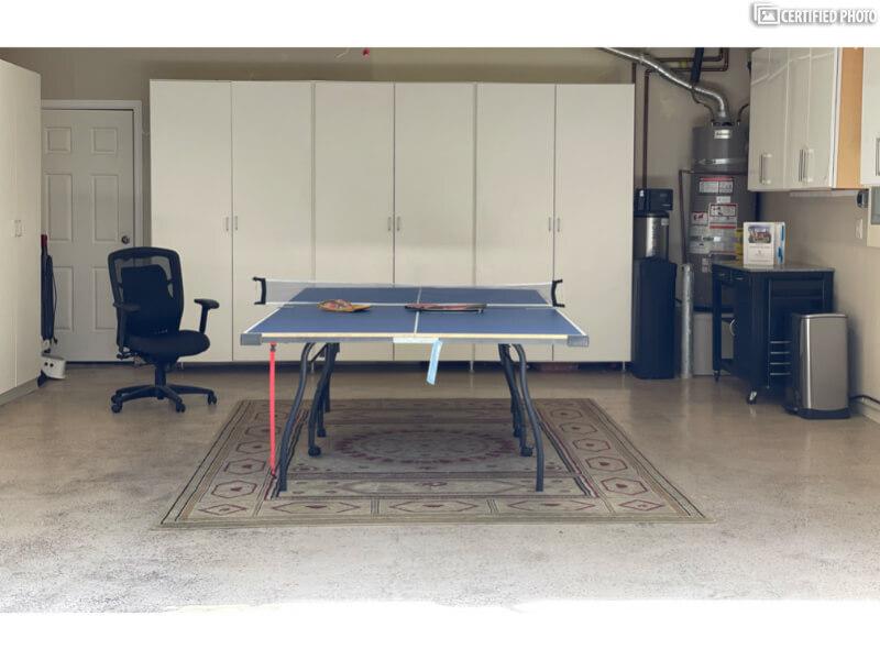 Garage w/ping pong table