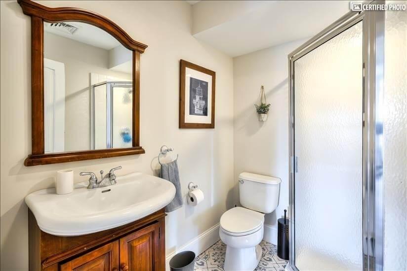 "3rd Floor Bathroom - Adjacent to ""Fish Bedroom"""