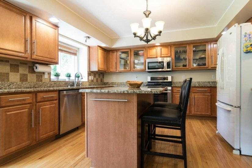 image 4 furnished 4 bedroom House for rent in Livonia, Detroit Area