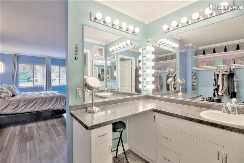 Enormous Master Bathroom with extended Vanity