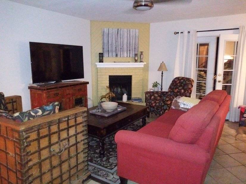image 2 furnished 2 bedroom Townhouse for rent in Albuquerque, Albuquerque - Santa Fe
