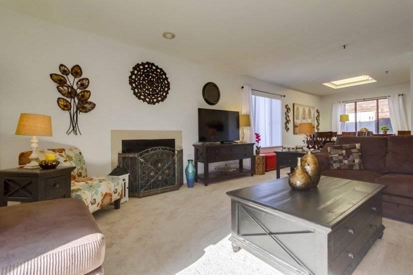 image 5 furnished 2 bedroom Townhouse for rent in Morena, Western San Diego
