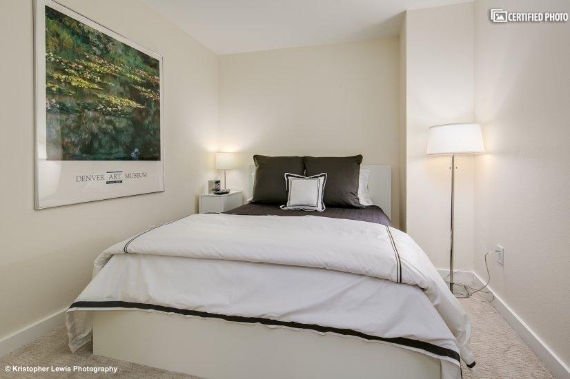 """2nd bedroom w/queen """"Heavenly Bed"""" & flat-screen TV"""