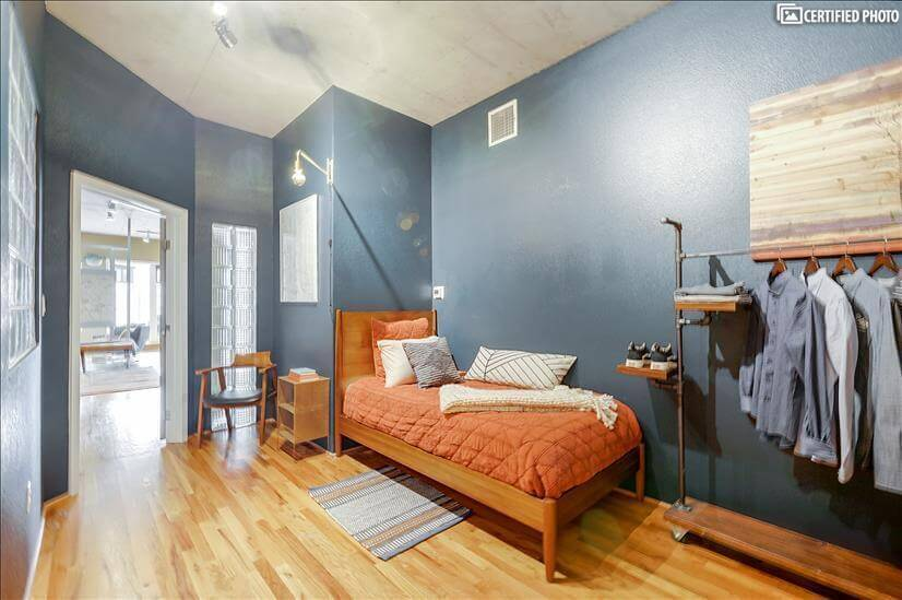 Easy cool secondary bedroom. Retro-inspired space