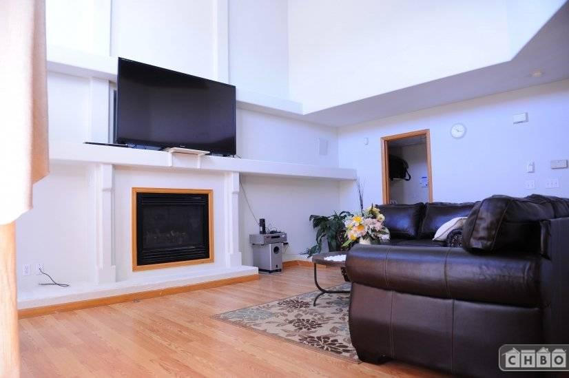 image 2 furnished 4 bedroom House for rent in Sterling Hills, Aurora